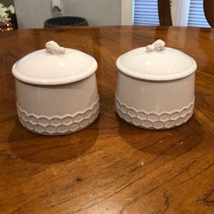 White terra-cotta bumble bee lidded canister NWT!